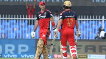 Maxwell and de Villiers in IPL 2021